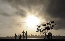 Dry clouds gather over Mumbai's skyline